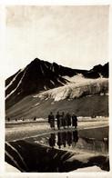 1933 ARCTIC EXPEDITION Real Photo 10x15cm - NORWAY - SPITZBERGEN, Magdalena Bay, The Visit - Norwegen