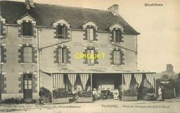 56 Ploërmel, Hotel De Bretagne, Terrasse Animée, Homme Avec Brouette.. - Ploërmel