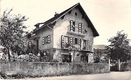 74 - CHAMPANGES - La Pension De Famille De Mme PERTUISET ( Hotel Restaurant )  CPA Village 1962 - Haute Savoie - Autres Communes
