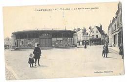 CHATEAURENAULT (37) La Halle Aux Grains Place Animation - Andere Gemeenten