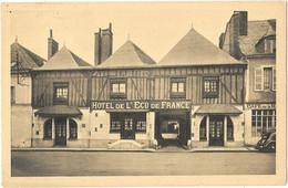 CHATEAURENAULT (37) Façade De L'Hotel De L'Ecu De France - Andere Gemeenten