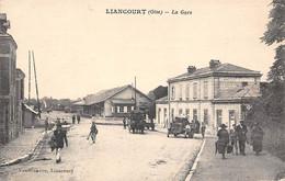 Liancourt         60        Extérieur De La Gare.       (voir Scan) - Liancourt