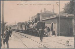 Oullins , La Gare , Arrivée D'un Train , Deux Petites Marques Milieu Haut , Animée - Ohne Zuordnung