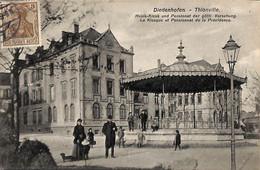 Diedenhofen Thionville - Le Kiosque Et Pensionnat De La Providence (animée, Edit. P Dondelinger) - Thionville