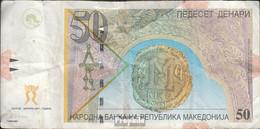 Makedonien Pick-Nr: 15c Gebraucht (III) 2001 50 Denari - Macedonië