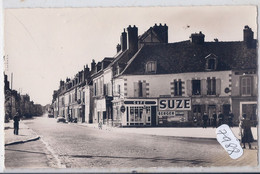 NOGENT-SUR-SEINE- LA PLACE DU THEATRE- CAFE DU THEATRE- PUBS SUZE- BERGER- RICARD- - Nogent-sur-Seine