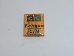 Pin's BANQUIE CIC CIN - Banks