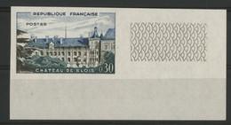 N° 1255 NON DENTELÉ CHATEAU DE BLOIS. Signé A.BRUN. Avec Un Coin De Feuille. Neuf * (MH). TB. - Imperforates