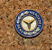 Rare Pin's Petit Format Mercedes - Mercedes