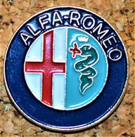 Rare Pin's  Grand Model Alpha Romeo - Alfa Romeo