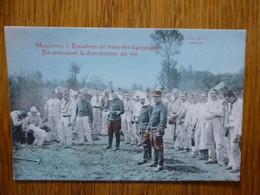 MOULINS - 13ème ET - EN ATTENDANT LA DISTRIBUTION DU VIN - Carte Colorisée - Regimenten