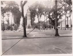 Photo Indochine Le Monument Aux Morts De Saïgon - Luoghi