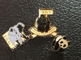 LOT De 3 Pins WWF - Gorilles Dans La Brume, éléphant, Panda - Pin, Pins, Pin's - Neuf ! - Animals