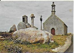 Brignogan - La Chapelle Pol, La Tour De Guet, La Croix Et Le Calvaire Du XVIe S. - Brignogan-Plage