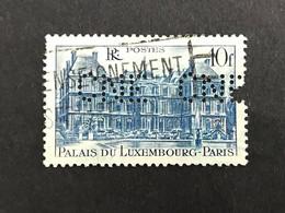 FRANCE C N° 760 1946 CNE 310 Perforé Perforés Perfins Perfin - Gezähnt (Perforiert/Gezähnt)