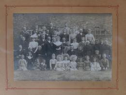 Photo De Famille De Mariage Vers 1900 - Personas Anónimos