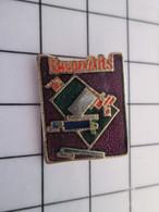 712f Pin's Pins / Beau Et Rare / THEME : MEDIAS / BEAUX-ARTS MAGAZINE TUBE DE PEINTURE - Médias