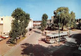SUCY-en-BRIE - La Place De La Gare - Autobus - Sucy En Brie