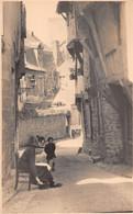 R494148 Vitre. Rue St. Louis. T. I. C. Postcard - World