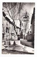 83 LA ROQUEBRUSSANNE N°31 Place De La Fontaine Et L'Horloge Camion Voiture Auto Ancienne VOIR DOS - La Roquebrussanne