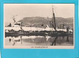 BATEAU GUERRE LE GLADIATEUR - Warships