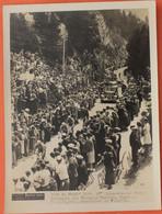 Cyclisme : Photo De Presse, Tour De France 1938, Les Coureurs Dans La Descente De La Faucille , Au Dessus De Morez - Morez