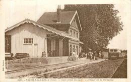 NEUILLY EN THELLE Arrivée En Gare De La Micheline - Altri Comuni