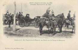 Fêtes Franco-Russes De 1901 - Landau De S.M. L'Impératrice De Russie Et Son Escorte Sur Le Champ De Manoeuvres - Manovre