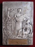 Plaque En Bronze Une Femme, Un Homme Et Un Enfant, à Identifier - Other