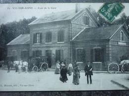 VIC SUR AISNE   COUR DE LA GARE - Vic Sur Aisne