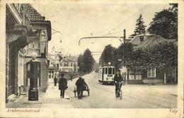 Nederland, VELP, Arnhemschestraat Met Tram En Benzinepomp (1928) Ansichtkaart - Velp / Rozendaal