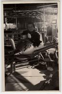 GIOSTRA LUNA PARK BAMBINO SU AEREO GIOCATTOLO TOY PLANE - FOTO ORIGINALE 1956 - Luftfahrt