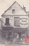 BLERE . CARTE PHOTO . VITRINE CYCLES COUTELLERIE PATISSERIE CONFISERIE CUISINE 1908 - Bléré