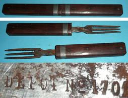 Rare Ensemble De 2 Fourchettes Emboitables, Militaria Scout Ou Autre, Dépot 1701 - Forks
