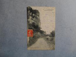 LACAVE   -  46   -  Rochers Avant L'entrée Des Grottes    -  LOT - - Lacave