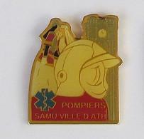 1 Pins Sapeurs Pompiers/SAMU Ville D'ATH (Belgique) - Pompieri