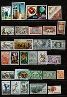 Ensemble De 100 Timbres Poste De Diverses Colonies Françaises  + Quelques Indépendances. Lot N° 3 - Verzamelingen (zonder Album)