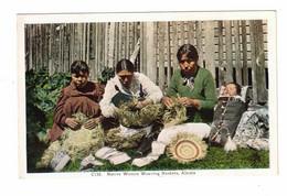 Alaska, USA, Native Women (Eskimo) Weaving Baskets, Old Linen Postcard - Unclassified