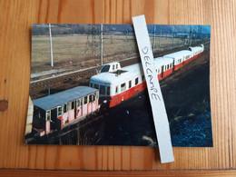 SNCF : Photo Originale Anonyme : Vieille Draisine Et Autorails X 3800 Picasso - Trains
