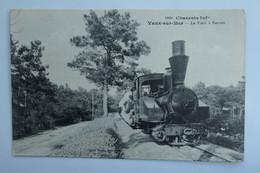 C. P. A. : 17 VAUX SUR MER : Le Tram à Nauzan, Train, Cheminot - Vaux-sur-Mer