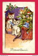 CPA (Ref : AA 766) (ANIMAUX & FAUNE) 2 Beaux Chats Et Une Poupée Pour L'arbre De Noël Bonne Année - Gatos