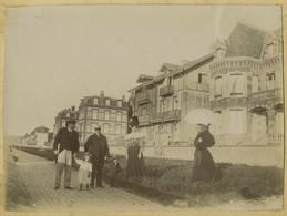La Digue De Cabourg (Calvados) Et Façade Du Chalet. Villa. Normandie. 1897. - Anciennes (Av. 1900)