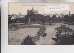 CPA - 12 - RODEZ - Esplanade, La Cathédrale, Défilé Militaire - CARTE RARE - Edition Bayard N° 5 Vers 1915 1920 - Rodez