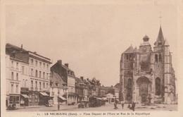 Le Neu Bourg Place Dupont De L'eure - Le Neubourg