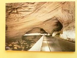 V11-09-ariege- La Grotte Du Mas Route Et Riviere Traversant La Grotte-lit De L'arize- - Non Classificati