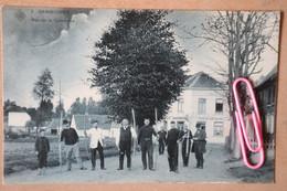 GANSHOREN : Rue De  La Commune, Le Café AU LION BELGE Et Les Tireurs à L'arc - Ganshoren