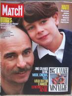 PARIS MATCH N°2011 (11 Décembre 1987) JL Normandin /otages - Haïti - Vartan/Scotti - Delpy - Belmondo- Gabin - Algemene Informatie