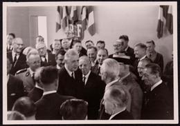 Rare Photographie Ancienne Originale Du Général Charles De Gaulle, 11,5 X 8,1 Cm - Beroemde Personen