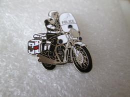 PIN'S    MOTO  BMW   POLICE   Email Grand Feu - Motorfietsen