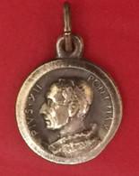 Médaille L'Année Sainte 1950 à Rome. Sous Le Pontificat Pie XII (1939 -1958) . Diam 13 Mm. 1 Gr. - Pendenti